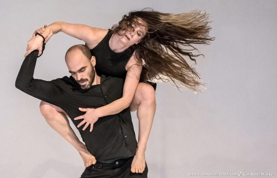 Christina Mertzani & Evangelos Poulinas performing